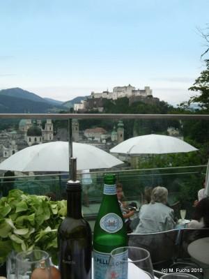 Essen Mit Aussicht Uber Den Dachern Von Salzburg Salzburg