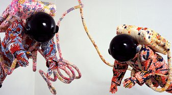 Yinka Shonibare CBE, Spacewalk 2002 | © Bildrecht, Wien 2019 | Yinka Shonibare CBE, Spacewalk 2002, Stephen Friedman Gallery, London